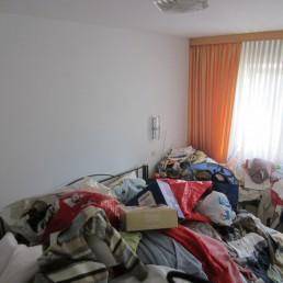 Leichenfundort in einer Messie-Wohnung, Entrümpelung