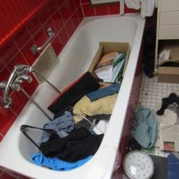 Vorher: Wiederherstellung der Nutzbarkeit eines Badezimmers