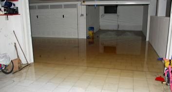 Toilette oder Kanal übergelaufen, Unwetterschaden durch Abwasser
