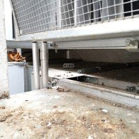 Mit Taubenkot verunreinigte Rauchgasdruckanlagen