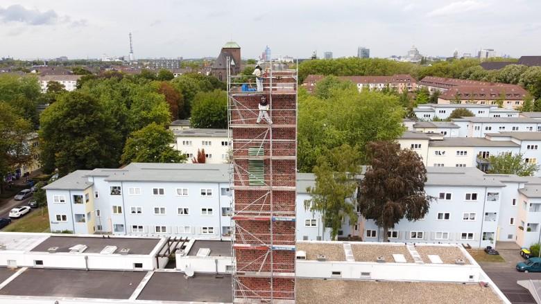 Taubenkotentfernung und Taubenabwehr in einem untder Denkmalschutz stehenden Turm in Duisburg