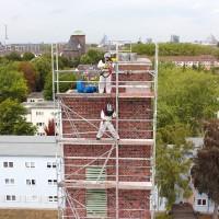 Vogelkotentfernung an einem 24m hohen Turm in Duisburg