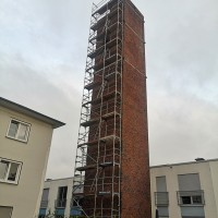 Taubenkotentfernung denkmalgeschützter Turm, Gerüst